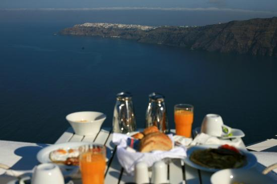 White: breakfast with view