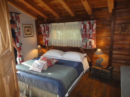 La Thuile, Italy: Junior Suite-il letto