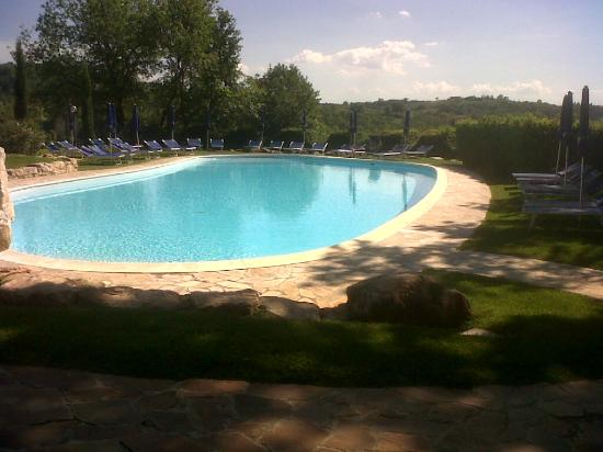 Abbazia dei Collemedio: una delle due piscine