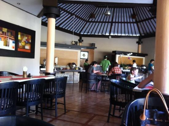Kuta Beach Club Hotel: restaurant