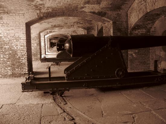 Charleston SC Tours: Cannons at Fort Sumter