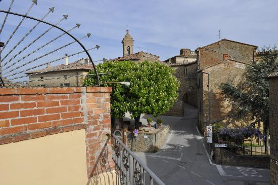 Le Casine di Castello: View of Castelmuzio from private rooftop terrace