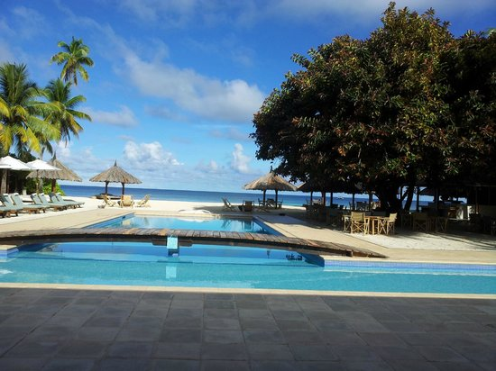 Desroches Island Resort : The pool