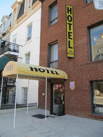 Hotel Bon Accueil: The hotel