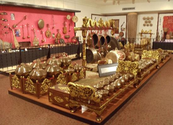 National Music Museum : The largest collection of Javanese gamelan instruments outside Indonesia
