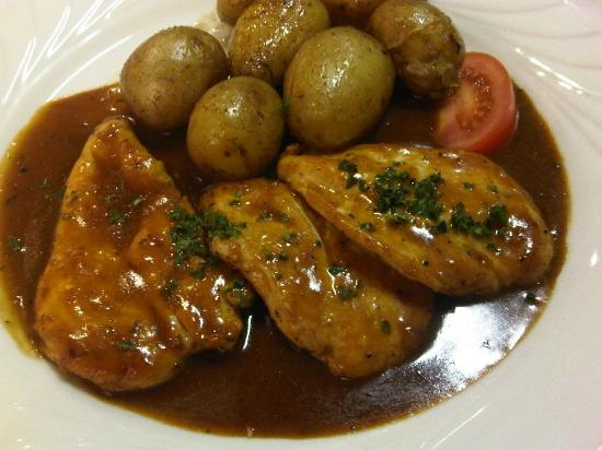 Cyrano: Escalopines chicken marsala with potatoes