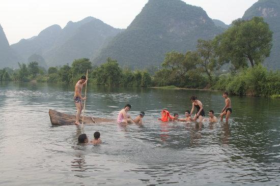 Ecofarm Lodge : A superb natural swimming pool nearby