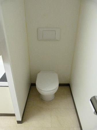 Hotel Condal: Les toilettes