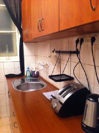 Karma Boutique Apartments: cucina