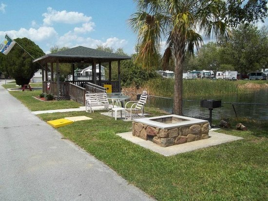 Sherwood Forest RV Park : Sherwood Forest Gazebo and fire pit