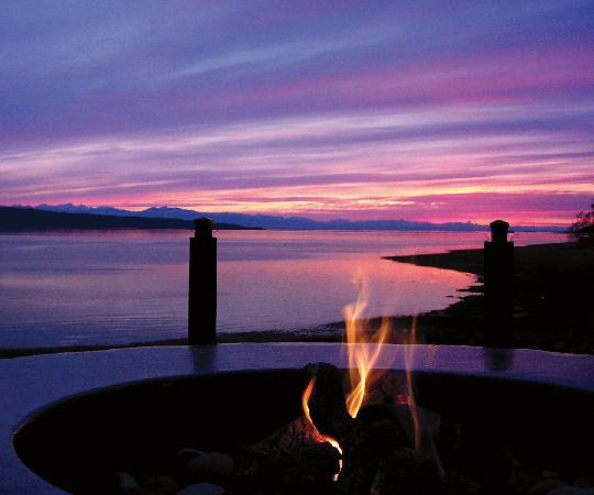 Powell River, Canada : Beach Gardens - Sunset View