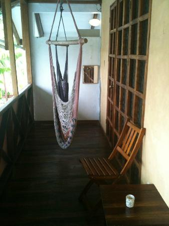 Hotel Pura Vida: hammocks on our porch