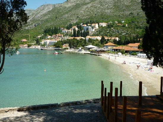 Remisens Hotel Albatros: The beach opposite the hotel...