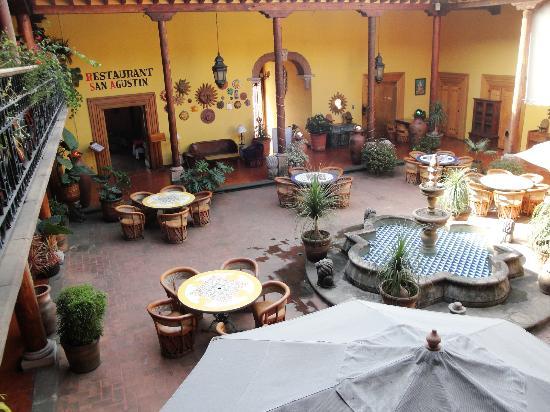 هوتل لا باروكيا: Lobby