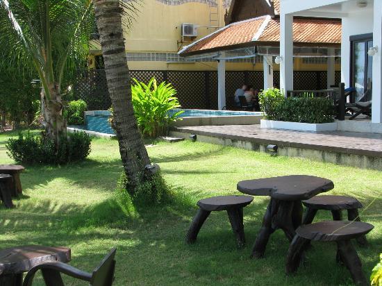 Baan Bophut Beach Hotel: Baan Bophut garden