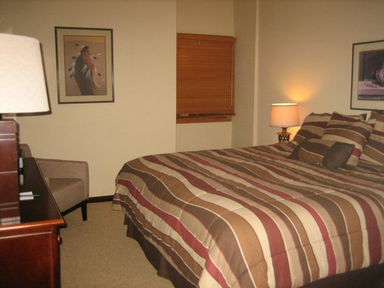 Lion Square Lodge : Master Bedroom