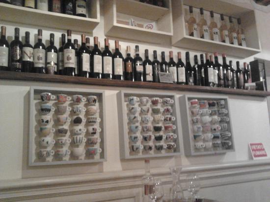 Pasticceria Ferretti: Collezione di tazzine