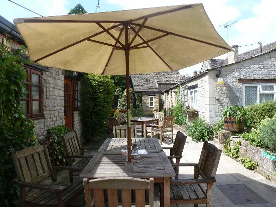 The Priory Restaurant: The Courtyard