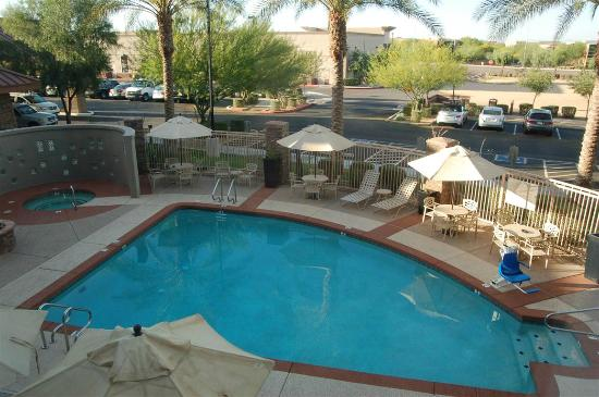 Hilton Garden Inn Phoenix North Happy Valley: Pool/spa area