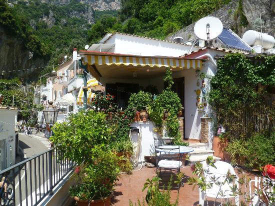 La Mammola: relax desde el balcon