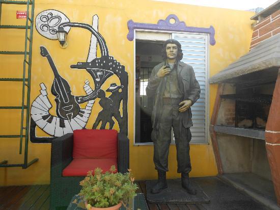 Ayres Portenos Tango Suites : un cigarro con Ernesto