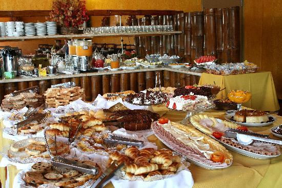 Rio Buzios Beach Hotel: Breakfast