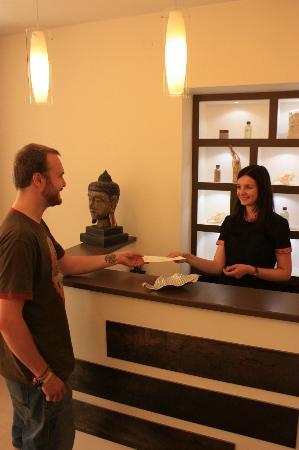 Spa Centre Azia Spa: administrator