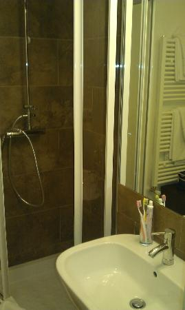 Hotel Trevi: ducha