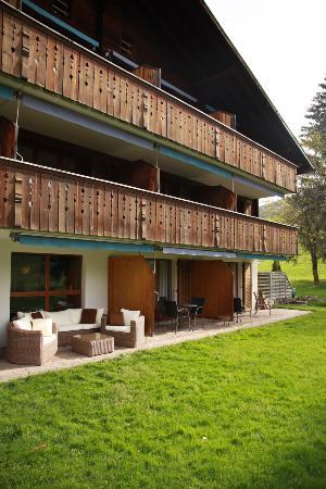 Hotel Alpine Lodge Gstaad - Saanen: Exterior