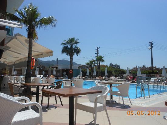 Pasabey Hotel: pool