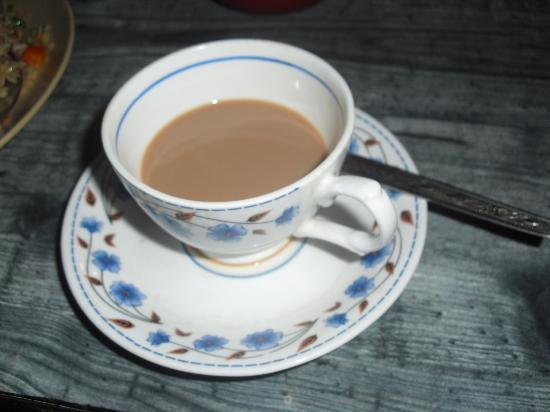 ميرادين لا أواسيز: No breakfast is complete without Chai tea