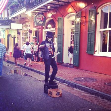 Bourbon Street: street performer