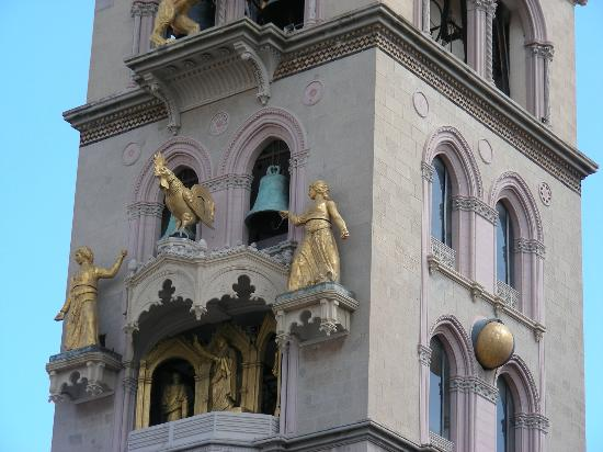 Duomo di Messina: Display in action. Rooster crows three times.
