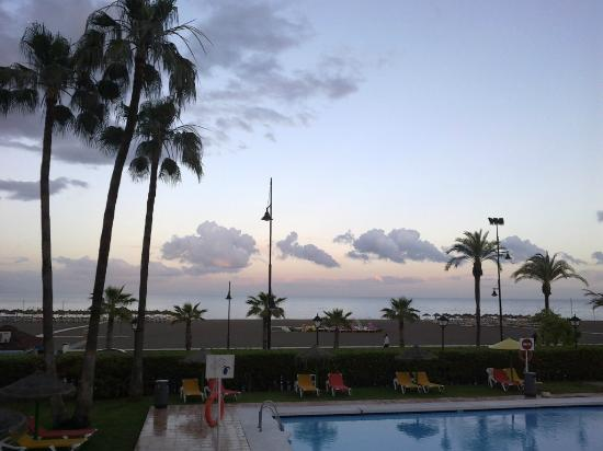 Sol Principe: Pool by evening towards the beach