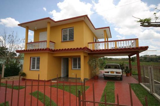 Sunny Balcony House, Vinales: Front of the House