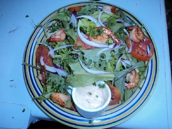 Mount Edge Guest House: Grilled Shrimp Salad @ EITS Cafe, Newcastle, Jamaica