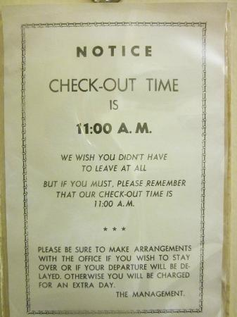 Howard Johnson Inn Hershey: Notice By The Door