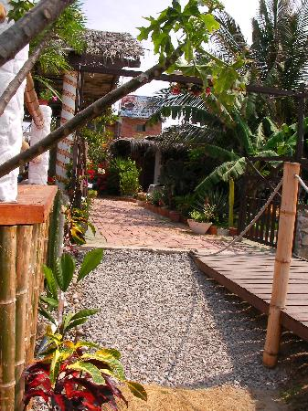 Playas, Ecuador: La posada del sueco and a pies of the garden