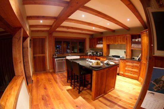 The Canyons B&B: Kitchen