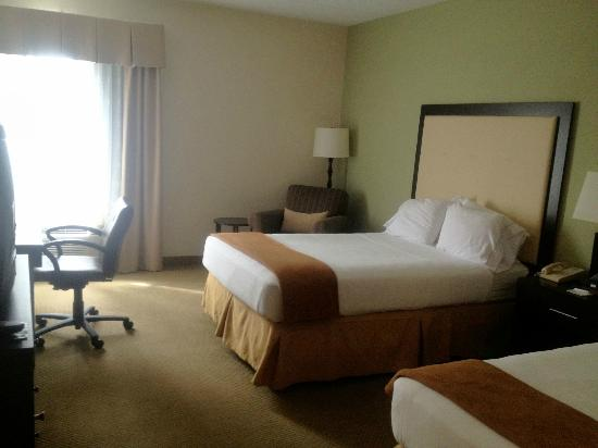 Holiday Inn Express Myrtle Beach-Broadway at the Beach: the room