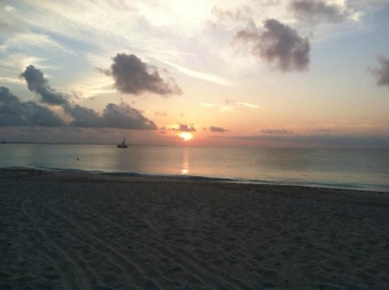 Royal West Indies Resort: Sunset on Grace Bay