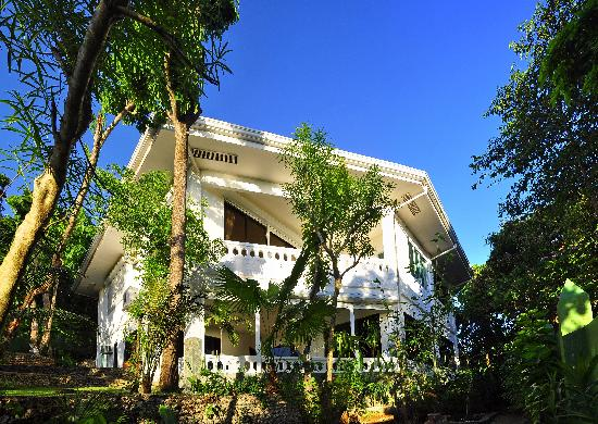 Argonauta Boracay: main villa and boutique hotel
