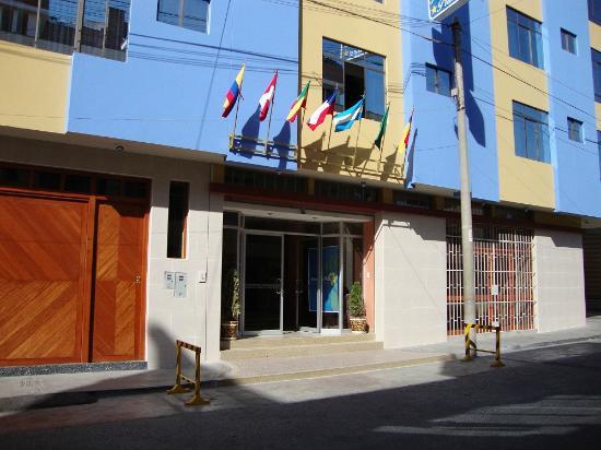 Primavera Plaza Hotel: Entrada