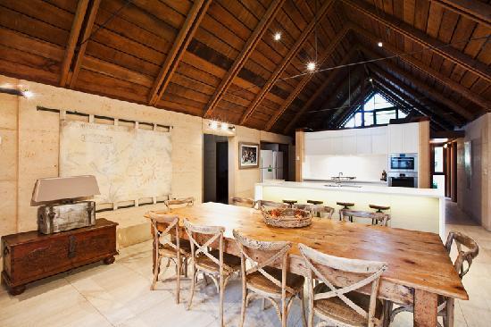 Whalers Cove Villas: Halcyon living area