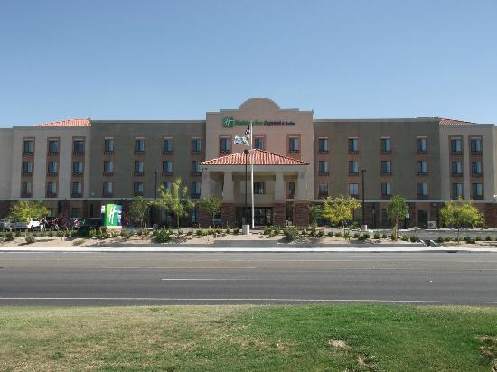 Holiday Inn Express & Suites Twentynine Palms- Joshua Tree: Holiday Inn 29 Palms, California