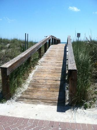 Best Western Oceanfront: Beach access directly outside the hotel