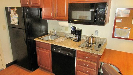 Candlewood Suites Roswell New Mexico: Kitchen