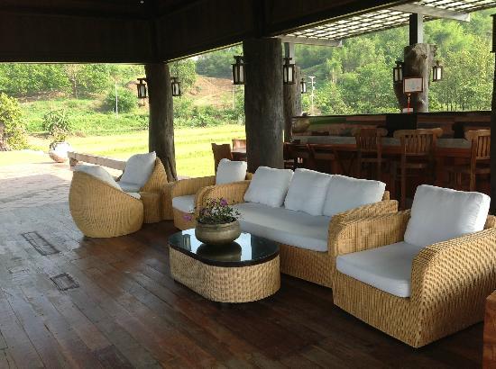 Manee Dheva Resort & Spa: Bar Lounge