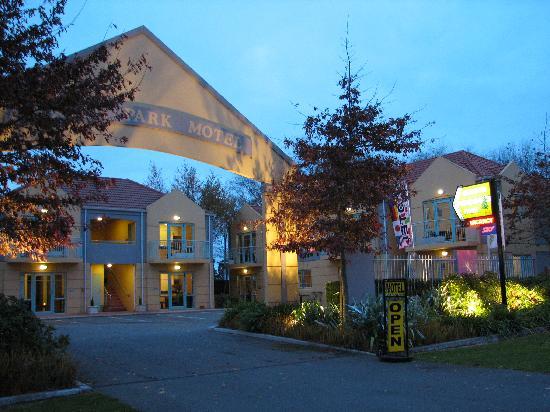 Denton Park Motel 사진
