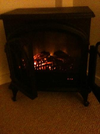 Westport Inn: portable electric heater masquerading as a fireplace